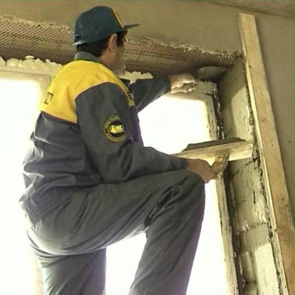 Как оштукатурить откосы на окнах: пошаговая инструкция