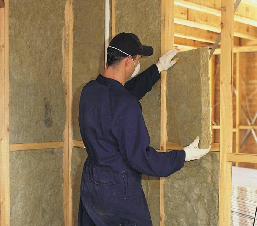 Какой утеплитель выбрать для стен внутри дома на даче?