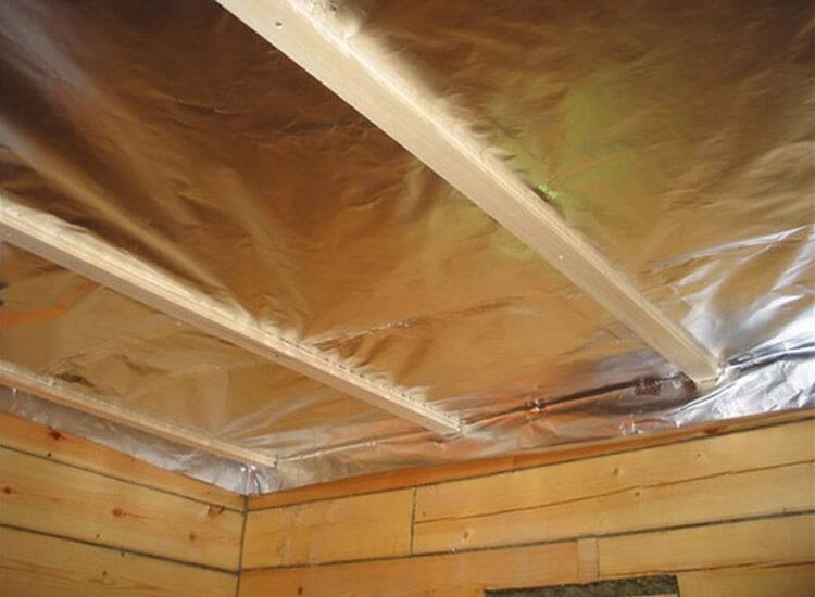Почему необходимо утеплять потолки в бане? отличительные моменты и особенности.