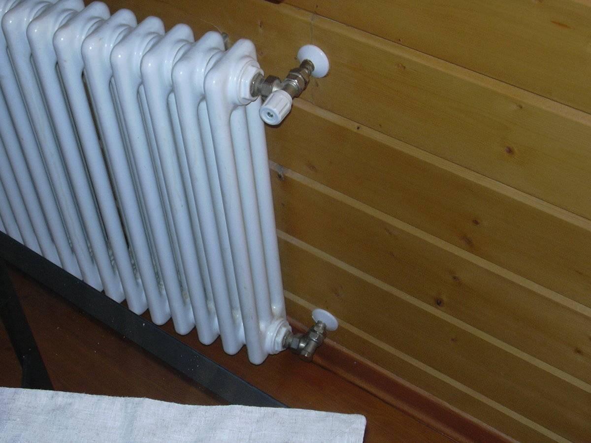 Ребристые трубы отопления - чугунные регистры отопления, фото