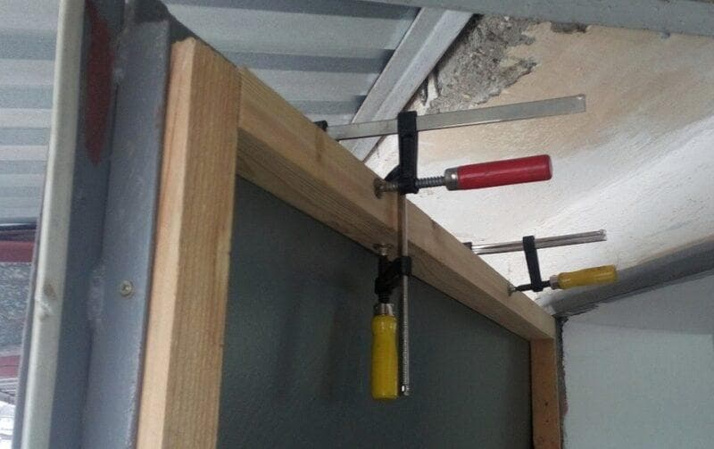Как утеплить ворота гаража изнутри своими руками: инструкция, фото, видео
