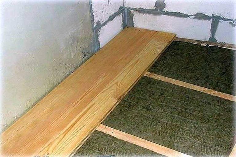 Как сделать деревянный пол на балконе – инструкция по установке и обработке