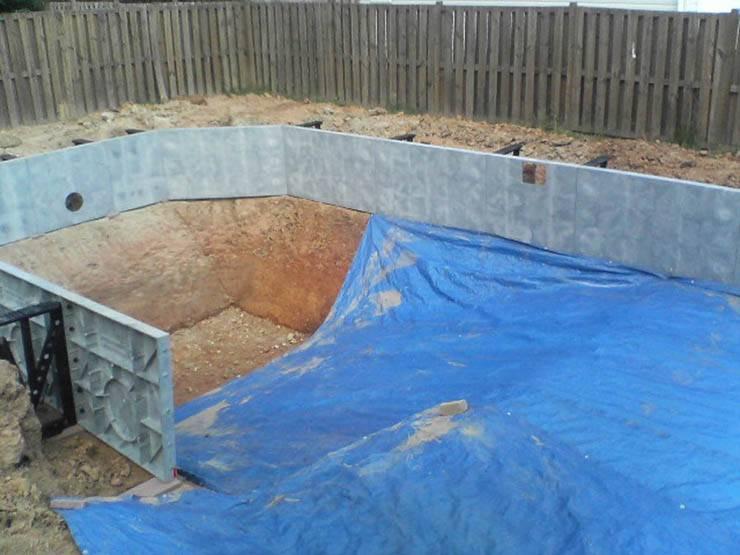 Как сделать бассейн своими руками из подручных материалов