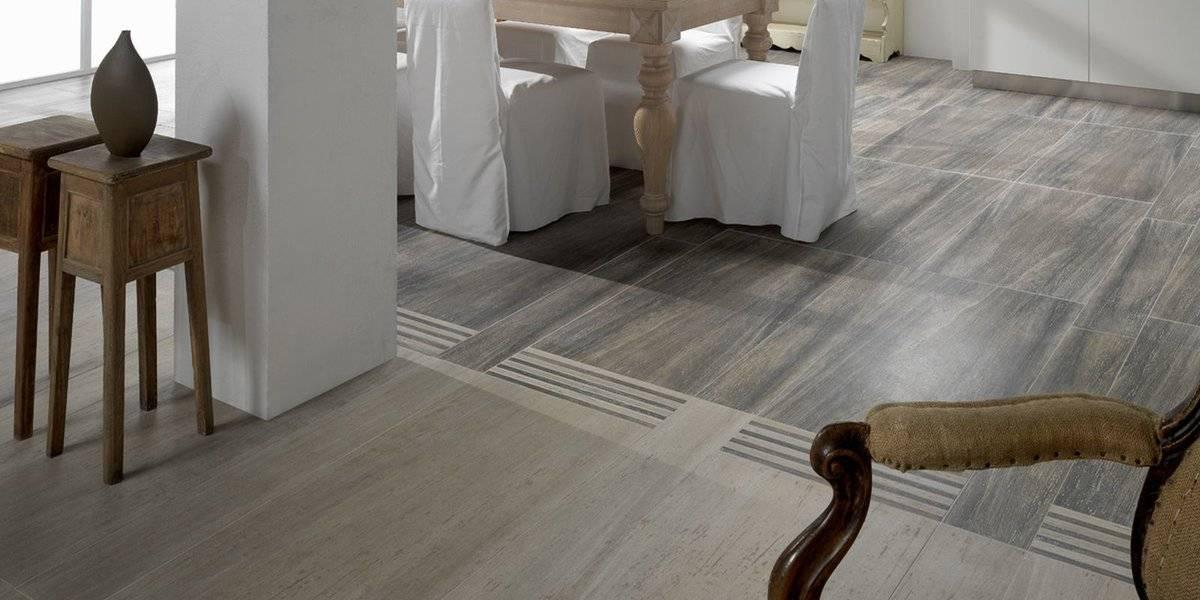 Ламинат в интерьере квартиры (69 фото): черное напольное покрытие на стенах и потолке, сочетание темного ламината и светлых обоев с дверями, красивый дизайн полов