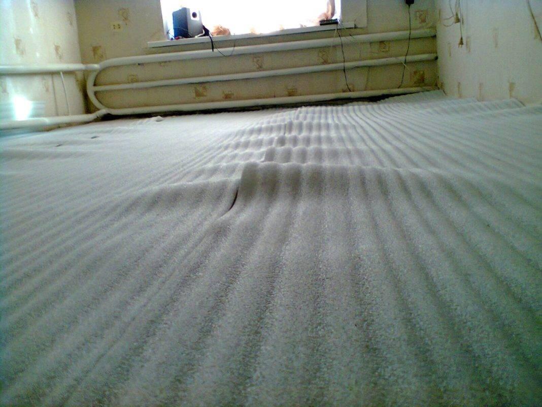 Утеплитель под линолеум для бетонного и деревянного пола: 2 варианта укладки    obustroeno.com