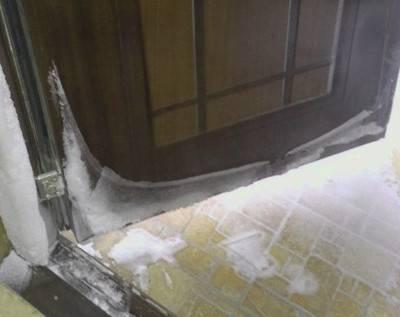 Установка межкомнатных дверей купе своими руками: видео, фото в интерьере
