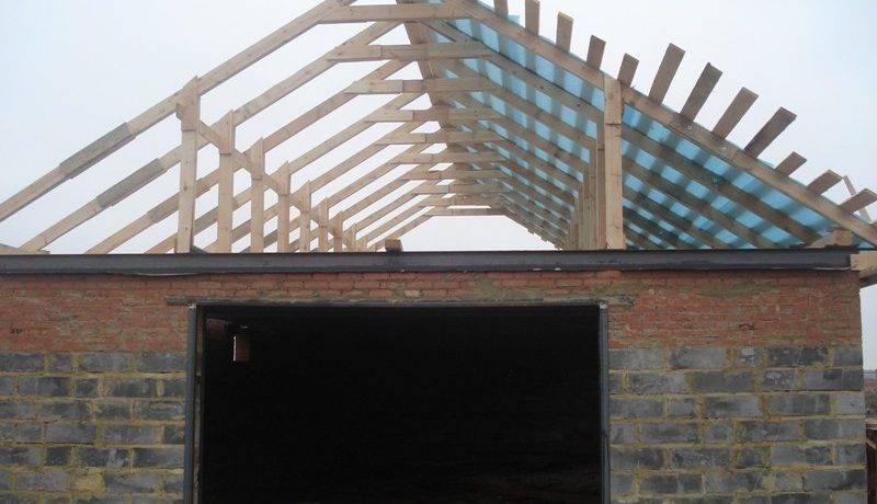 Как покрыть крышу гаража профнастилом своими руками