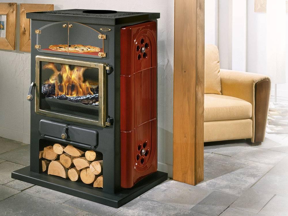 Отопительная печь для дачи длительного горения, с водяным контуром, их установка, чем отличаются дачные устройства для отопления