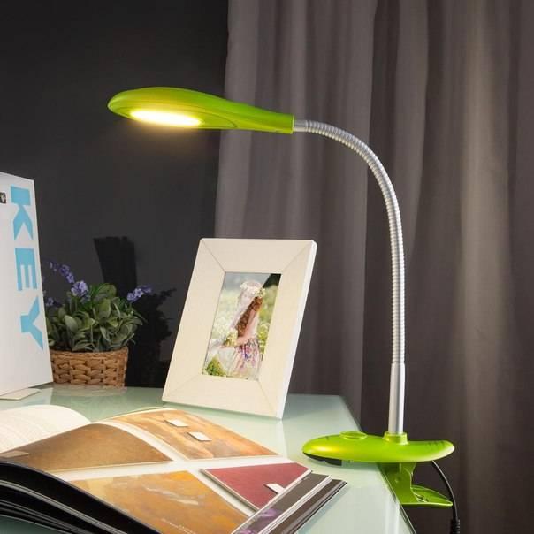 Настольная лампа для рабочего стола (59 фото): как выбрать светодиодное освещение для письменного стола школьника