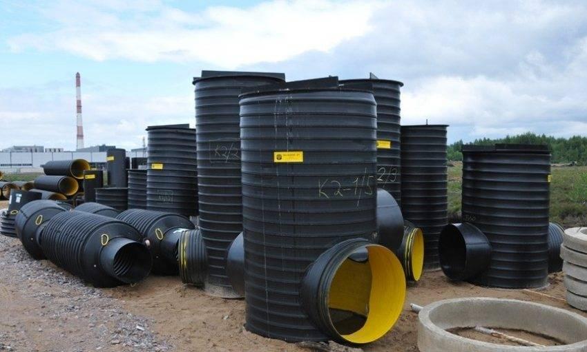Пластиковые канализационные колодцы: разновидности, область применения, особенности монтажа