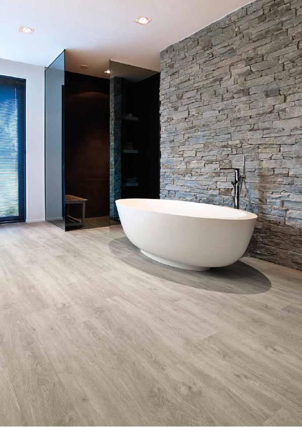 Плитка пвх для ванной и туалета: плюсы и минусы, виды, сравнение с керамогранитом