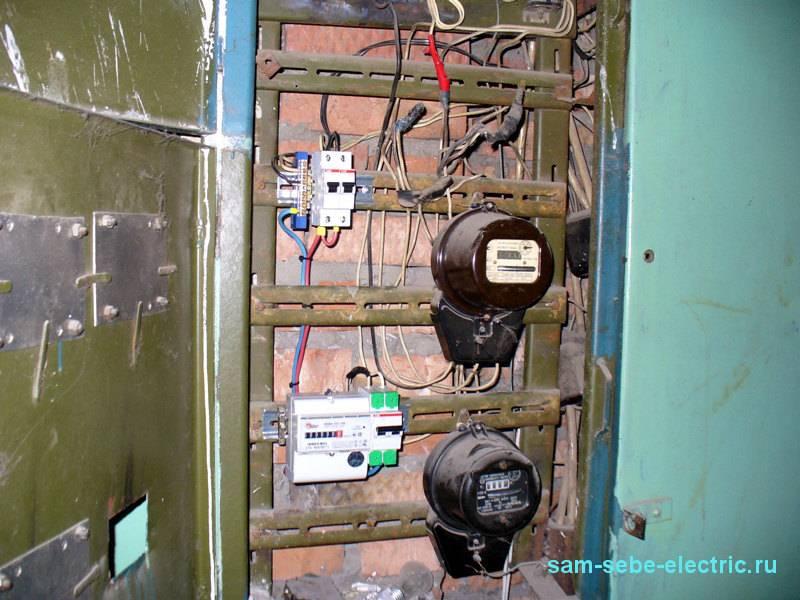 За чей счет и кем производится замена электросчетчика в квартире или на лестничной площадке