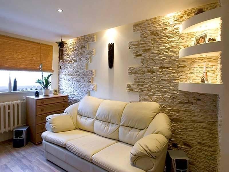 Отделка стен в квартире декоративным камнем и обоями (56 фото): в интерьере, применение, как выложить в гостиной, ниша