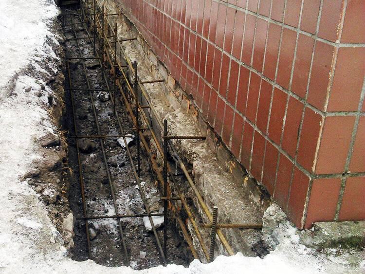 Как правильно замешивать бетон в бетономешалке. компоненты и пропорции для приготовления раствора. правила работы с бетоносмесителем