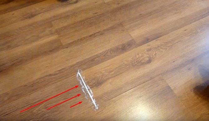Причины скрипа ламинат при ходьбе и их устранение