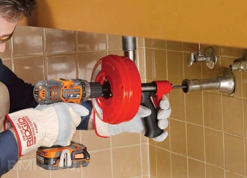 Тросик для прочистки водопроводных труб