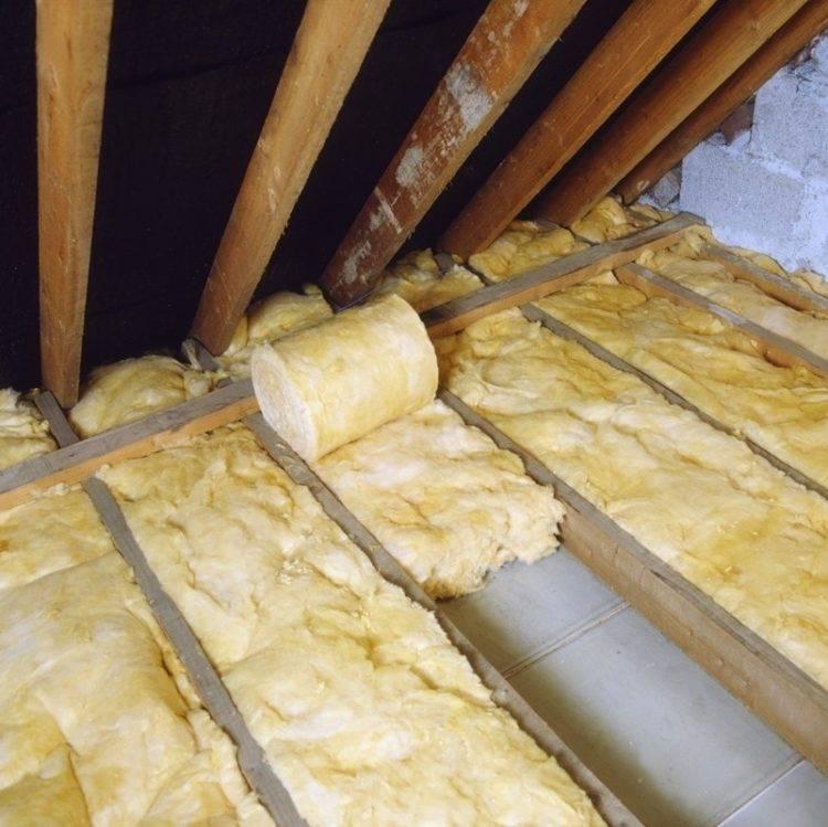 Подробная инструкция по утеплению потолка со стороны чердака в частном доме: 48 фото и 2 видео