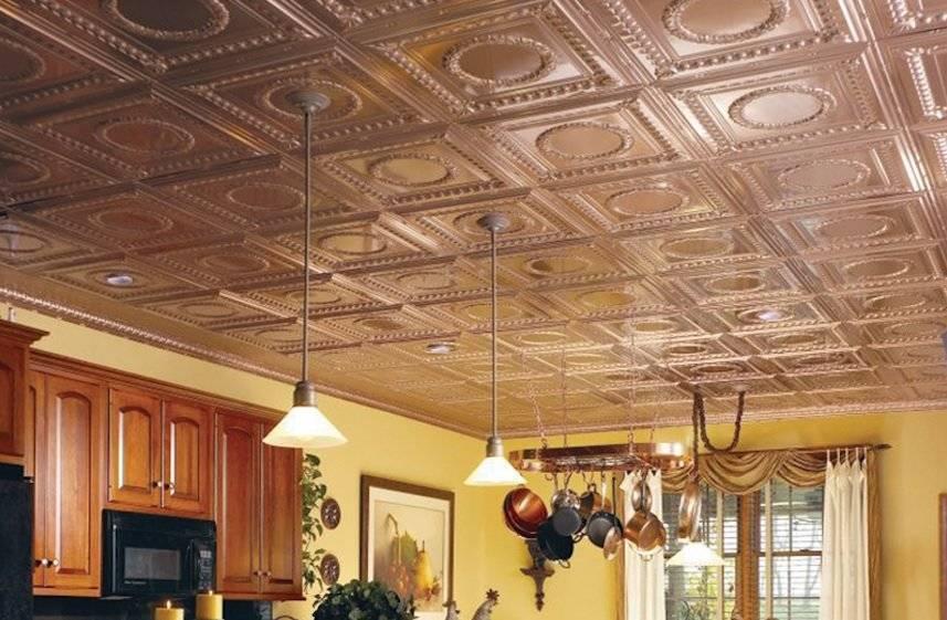 Особенности и порядок создания на даче потолка из плитки