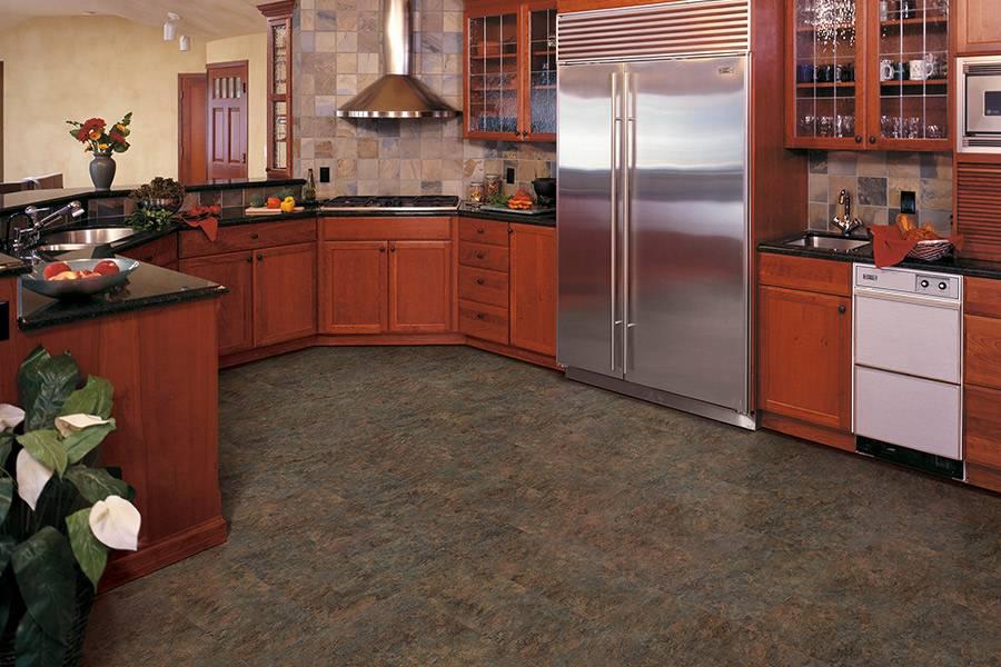 Какой пол лучше на кухне: сравнительный обзор 7-ми вариантов напольных покрытий