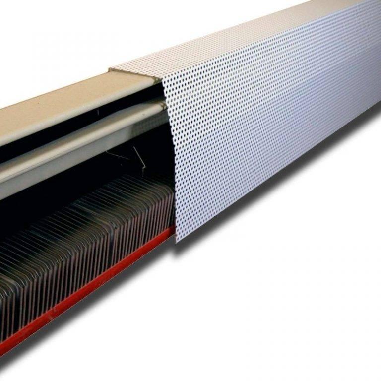 Плинтусное отопление водяного и электрического типа, части системы: радиаторы, конвекторы, каналы для разводки труб и другое