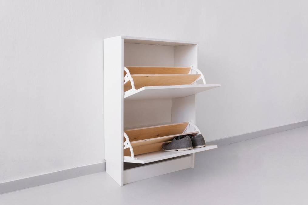 Полки для обуви в прихожую: разновидности и выбор