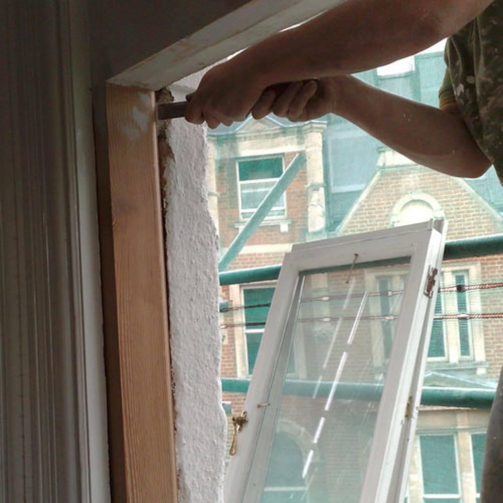 Как грамотно утеплить окна на зиму?