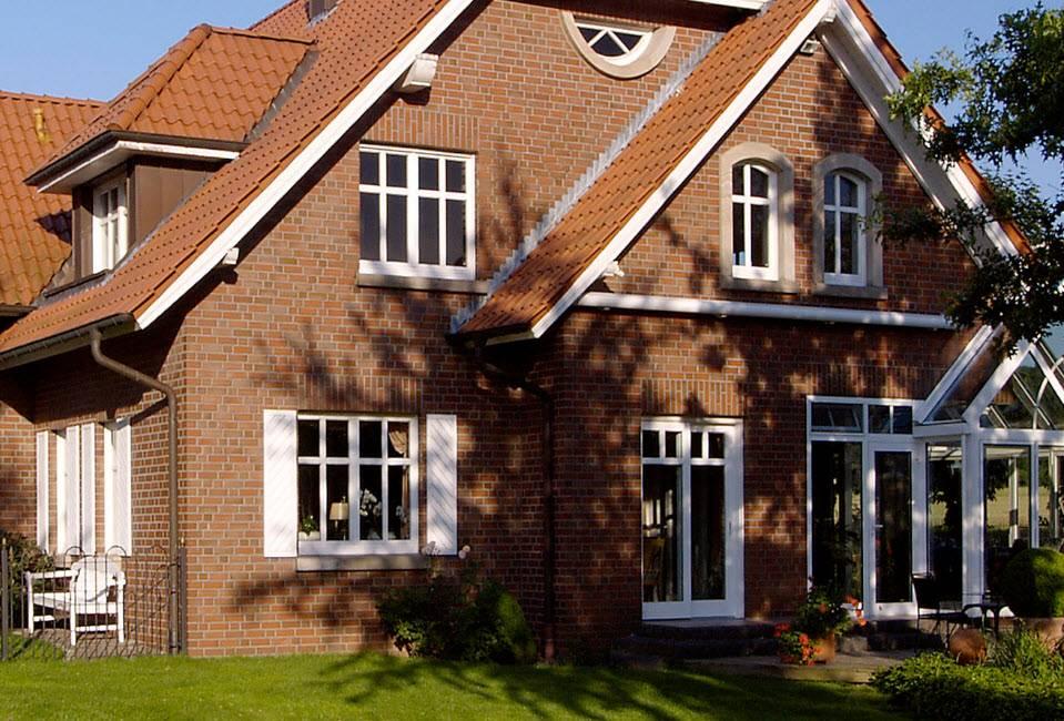 Клинкерная облицовка фасада дома кирпичом - домэконом