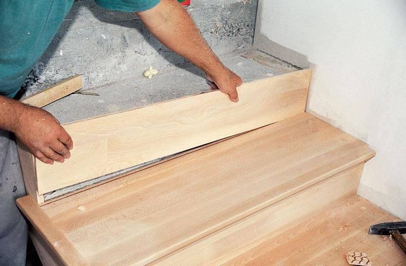 Отделка бетонной лестницы деревом своими руками: материалы, технология, пошаговая инструкция