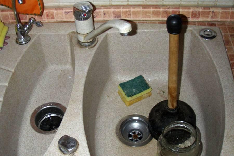 Кухонная раковина без засоров: миф или реальность - пошаговая инструкция, как самостоятельно справиться с забитой раковиной на кухне + полезные советы для избежания повторного засорения мойки