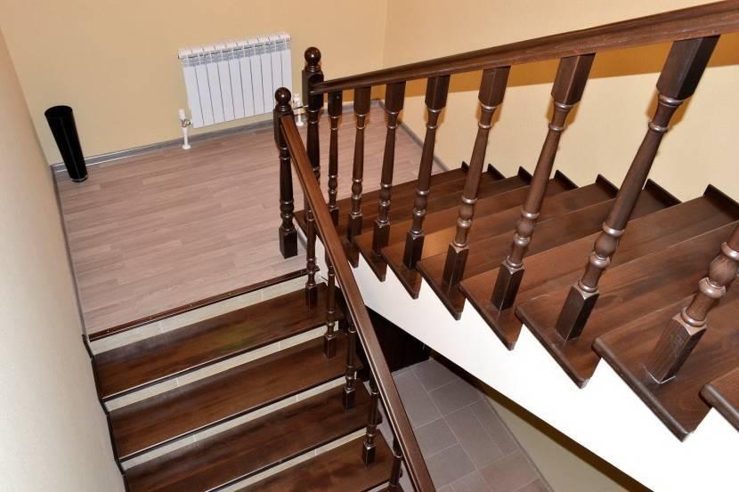 Лестницы на металлокаркасе: облицовка конструкции деревом. выбор древесины и обшивка