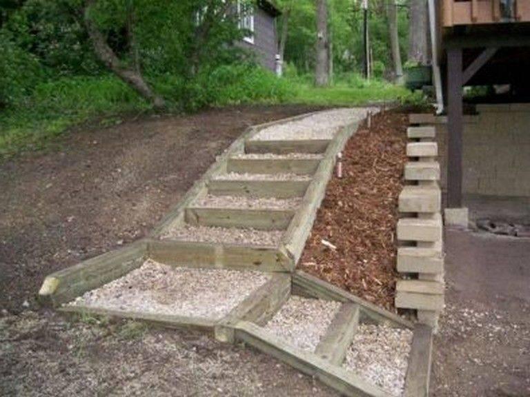 Рассмотрим как правильно сделать бетонную лестницу