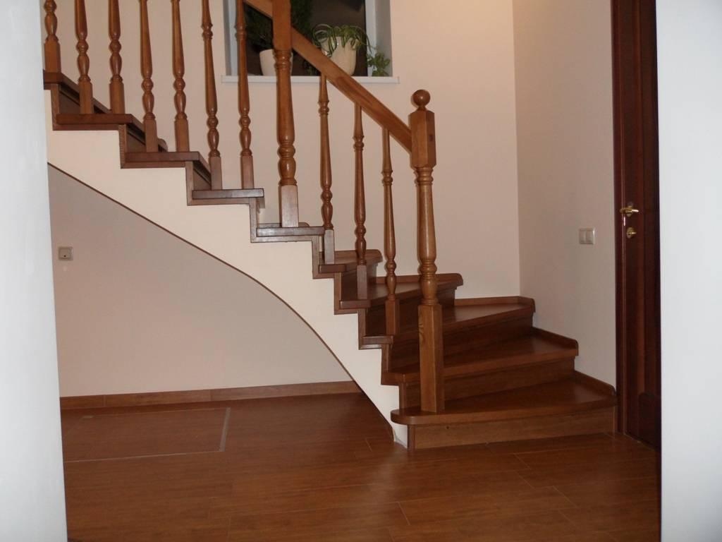 Отделка лестницы: тонкости, материалы, технология монтажа