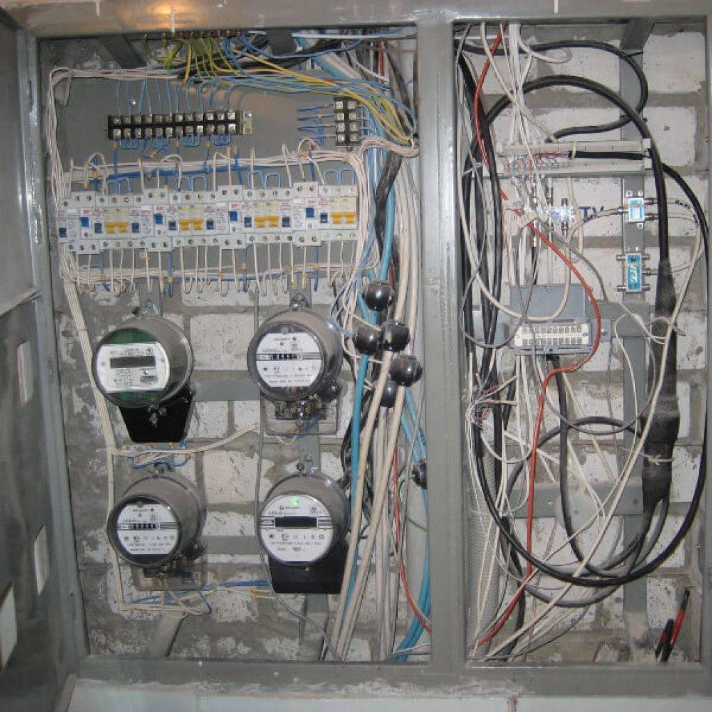Кто должен менять счетчик электроэнергии на лестничной площадке и кто должен платить за замену электросчетчика   советы по недвижимости