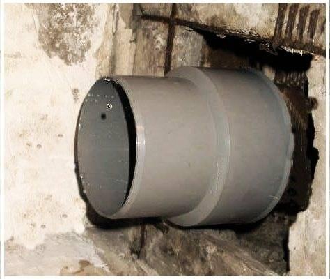 Как соединить чугунную канализационную трубу с пластиковой: соединение чугунных и пластиковых канализационных труб, замена чугуна на пластик, как вставить, фото и видео примеры