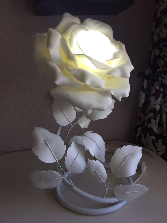 Светильники в виде розы из изолона (32 фото): мастер-класс, делаем букет на плафон торшера своими руками. как сделать ростовой цветок?