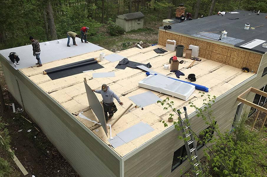 Строительство крыши частного дома: разновидности и этапы монтажа
