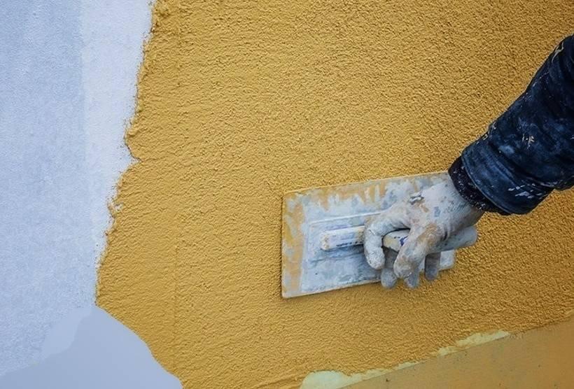 Подготовка поверхности под декоративную штукатурку: поэтапный процесс подготовки стен, инструменты для работы