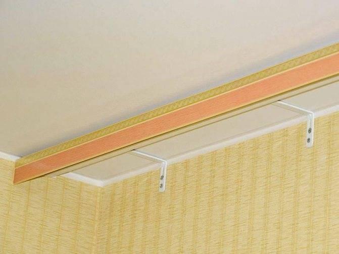 Как сделать крепление карниза к потолку, особенности установки для натяжных и гипсокартонных потолков, потолочные карнизы на фото +видео