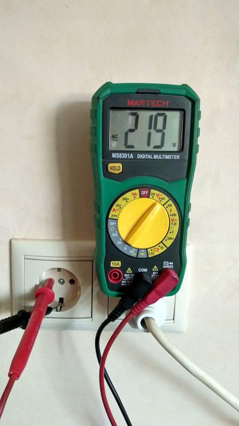 Как измерить силу тока мультиметром в розетке - всё о электрике в доме