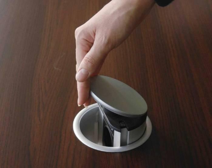 Выдвижные встраиваемые розетки для столешниц: характеристика и установка