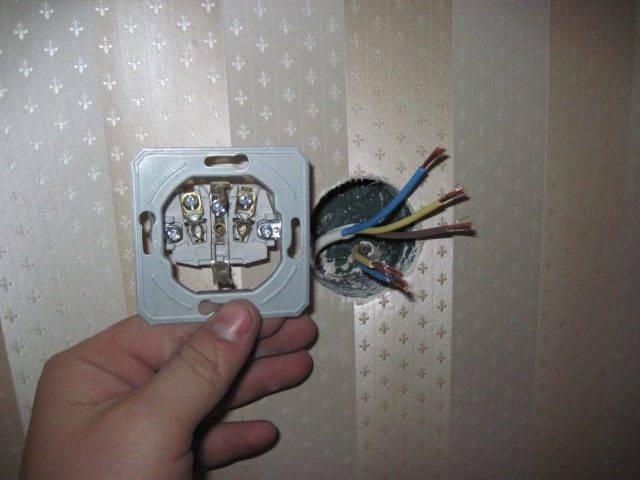 Подключение и установка розетки с заземляющим контактом