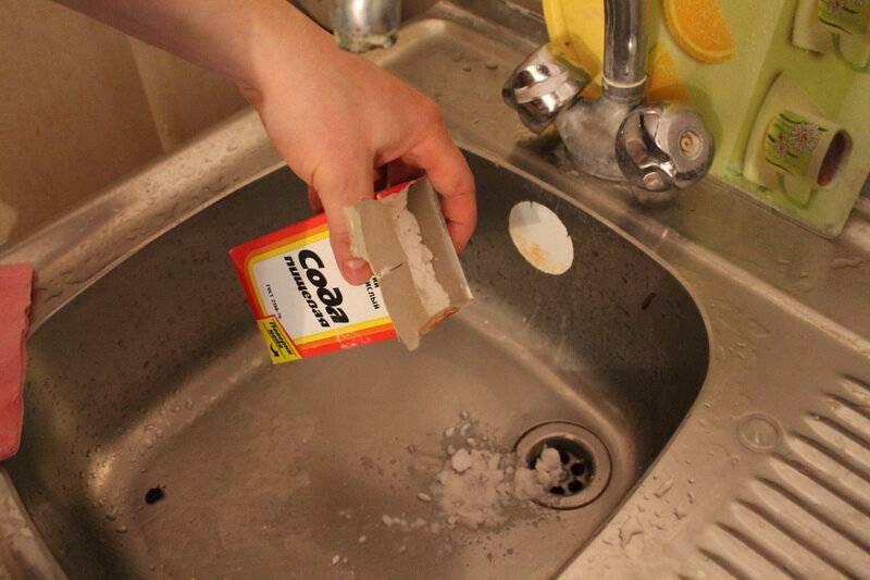 Как прочистить слив раковины солью: чем ещё можно прочистить засор
