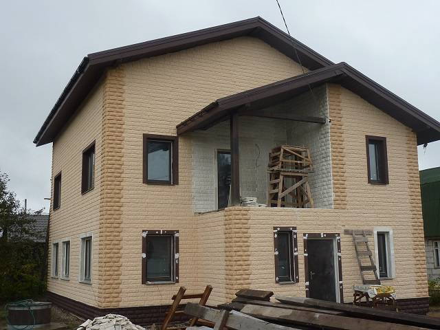Обзор вариантов наружной отделки дома из газобетона