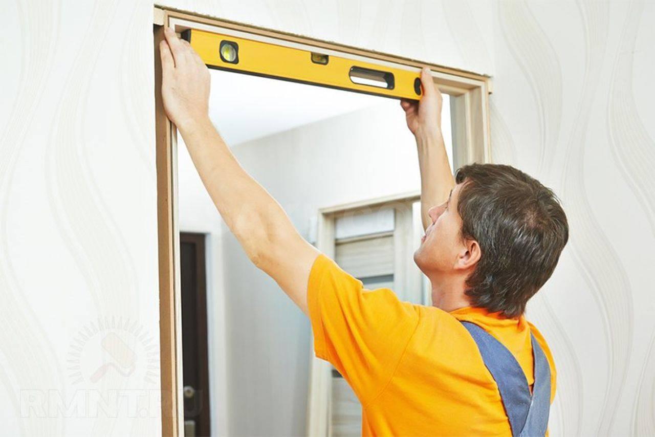 Замена стекла в межкомнатной двери, также матового: можно ли поставить своими руками, чем разобрать конструкцию для ремонта, как установить элемент вместо разбитого?