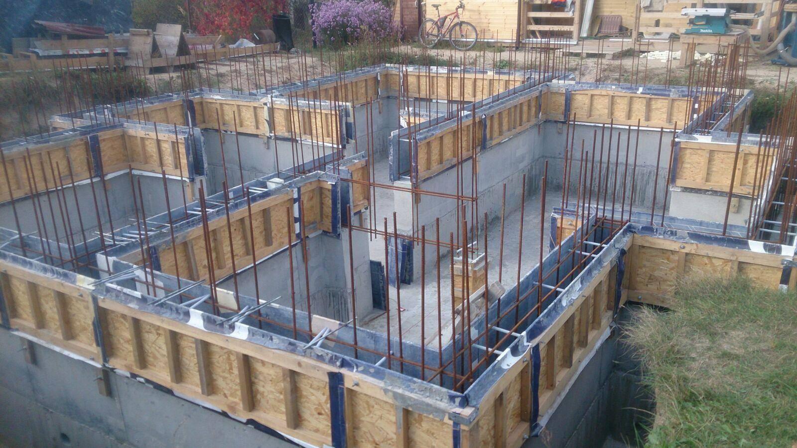 Цокольный этаж в частном доме: плюсы и минусы, материалы, как построить