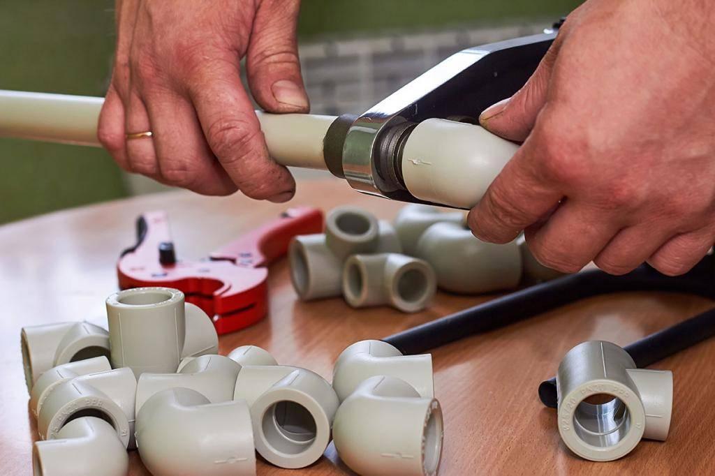 Металлопластиковые или полипропиленовые трубы: что лучше, отличия пластиковых труб, возможные разрывы, чем отличаются материалы