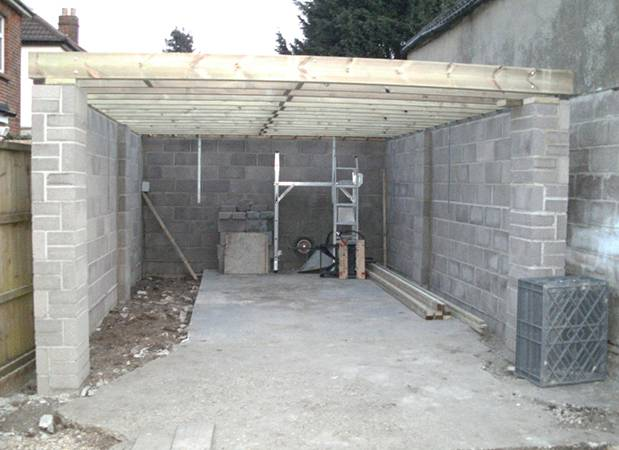 Какие блоки лучше использовать при строительстве гаража: характеристики