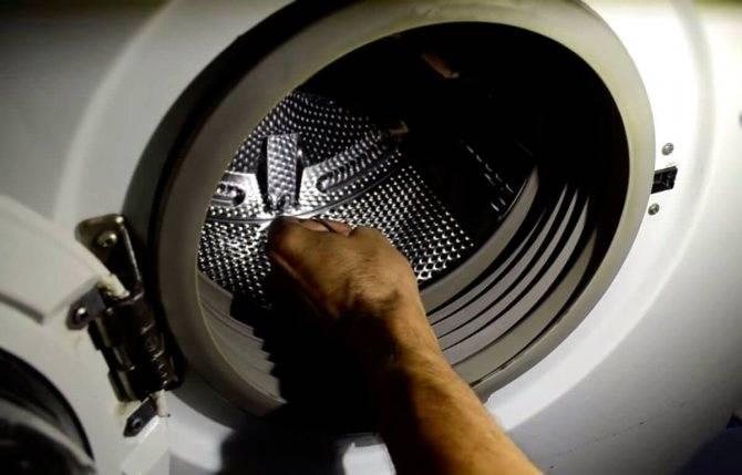 Не крутит барабан в стиральной машине: алгоритм действий, причины и их устранение
