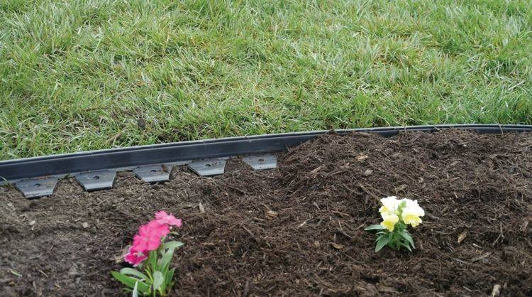 Как установить бордюрную ленту на грядках — красивое обрамление садовых грядок