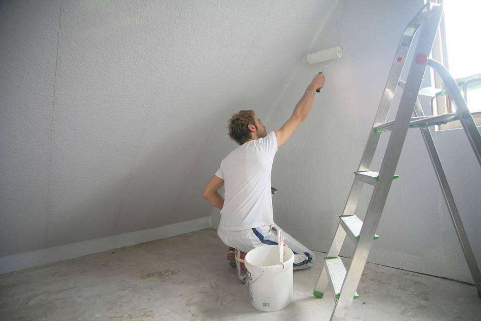 Покраска потолка из гипсокартона: какой краской лучше красить гипсокартонный потолок, как и чем покрасить подвесной потолок
